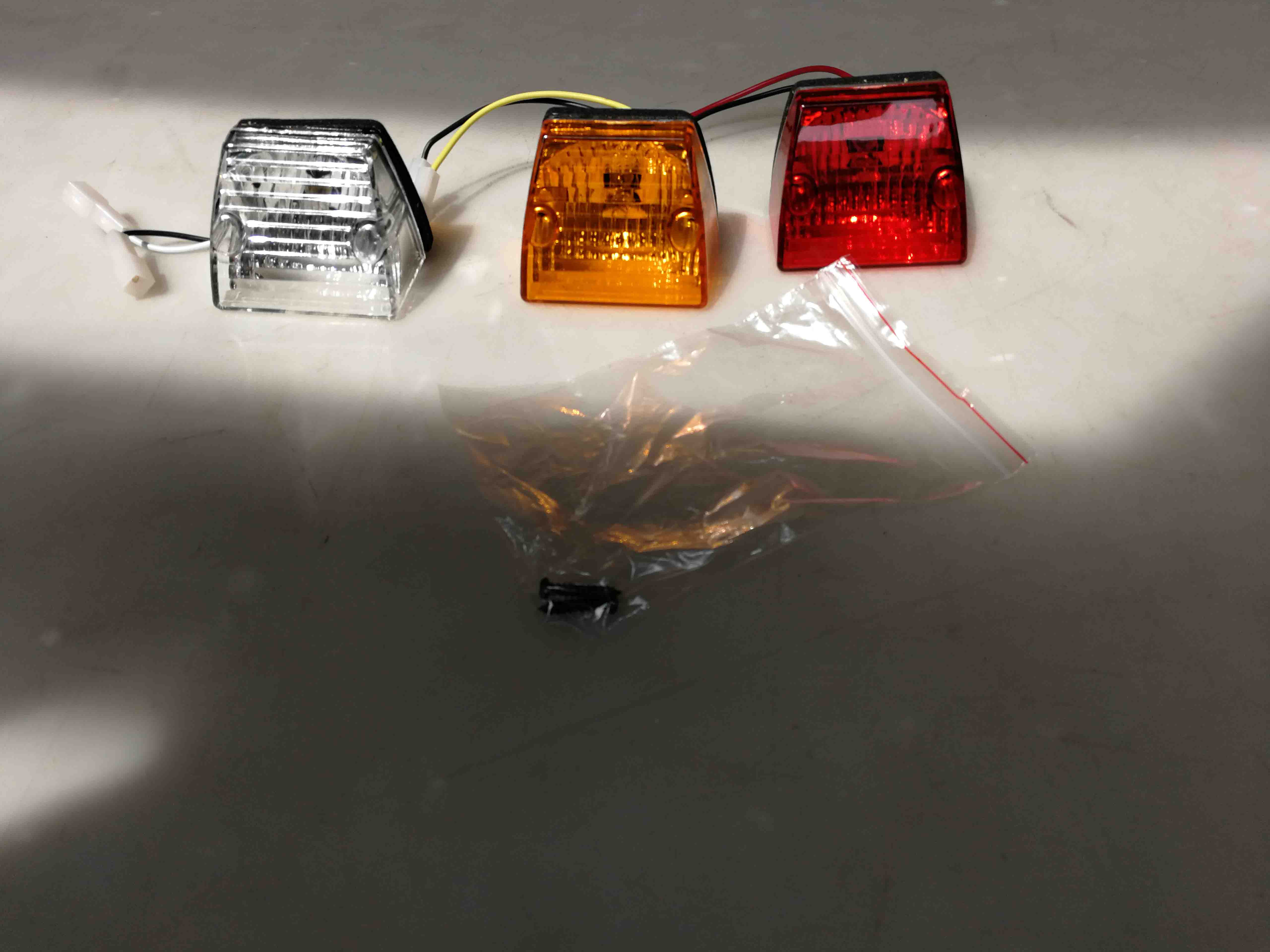HC-B-5185 MARKER LAMP FOR COMIL